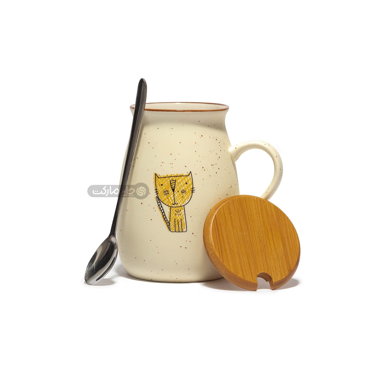 ماگ سرامیکی دسته دار با درب چوبی و قاشق فلزی طرح گربه خنگ