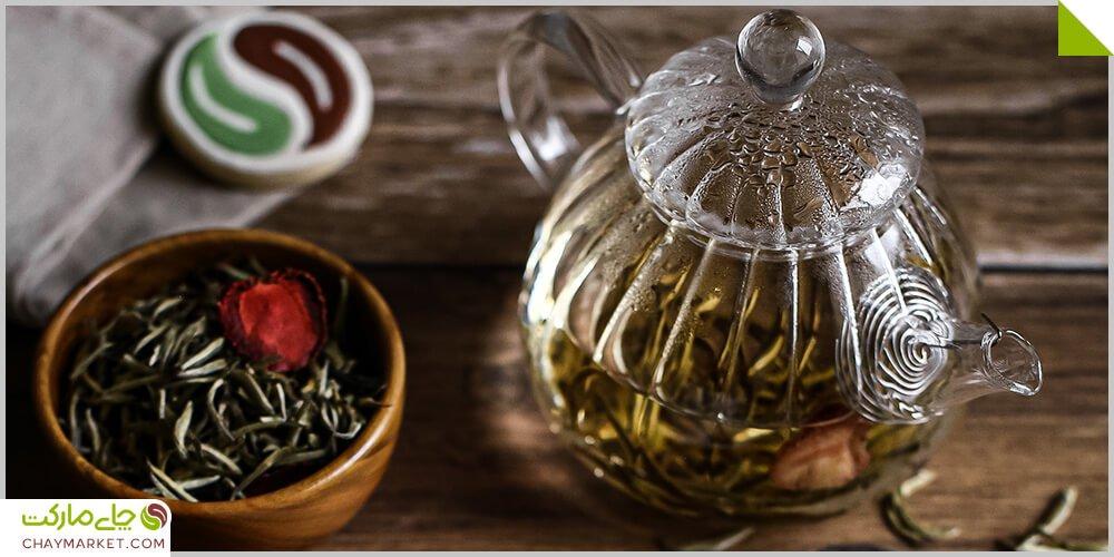چای سفید و توت فرنگی